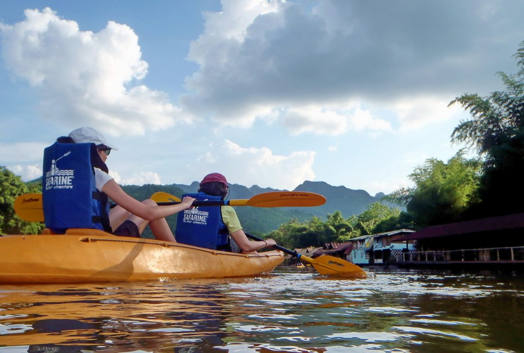 Thailand, kayaking on the River Kwai