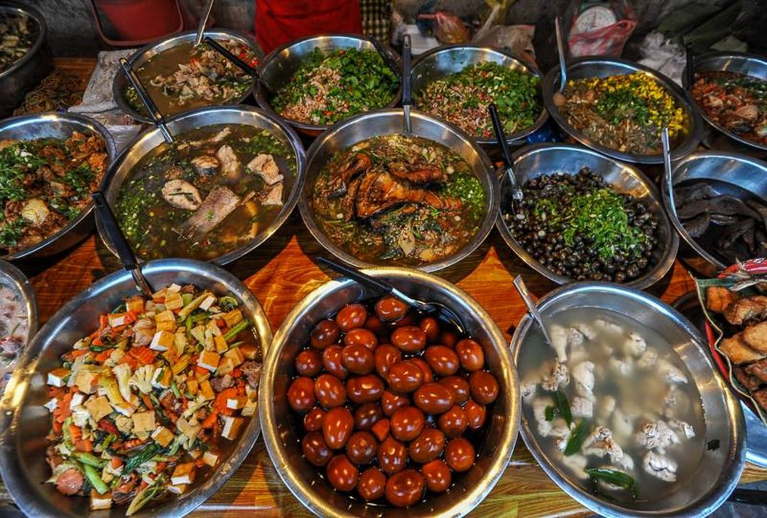 Laos, local food, (by Jeff Perigois)