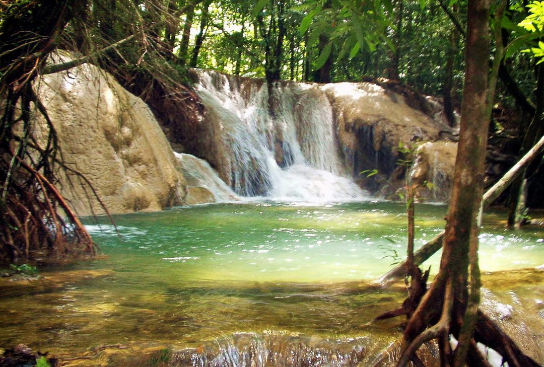 Thailand, Kanchanaburi waterfall