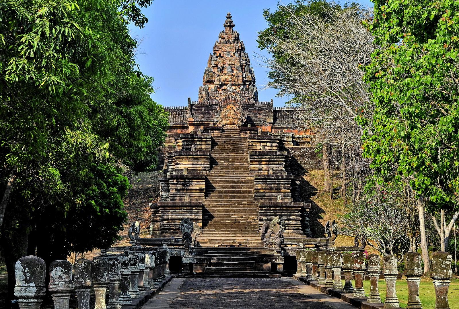Phnom Rung and Muang Tam