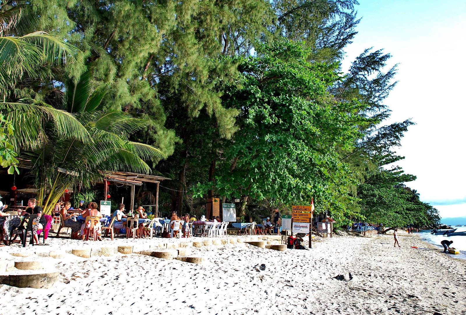 Malaysia, beachside cafes