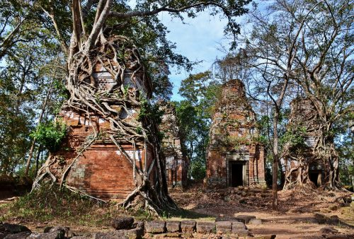 Koh Ker, Cambodia: The ruined city of Lingapura
