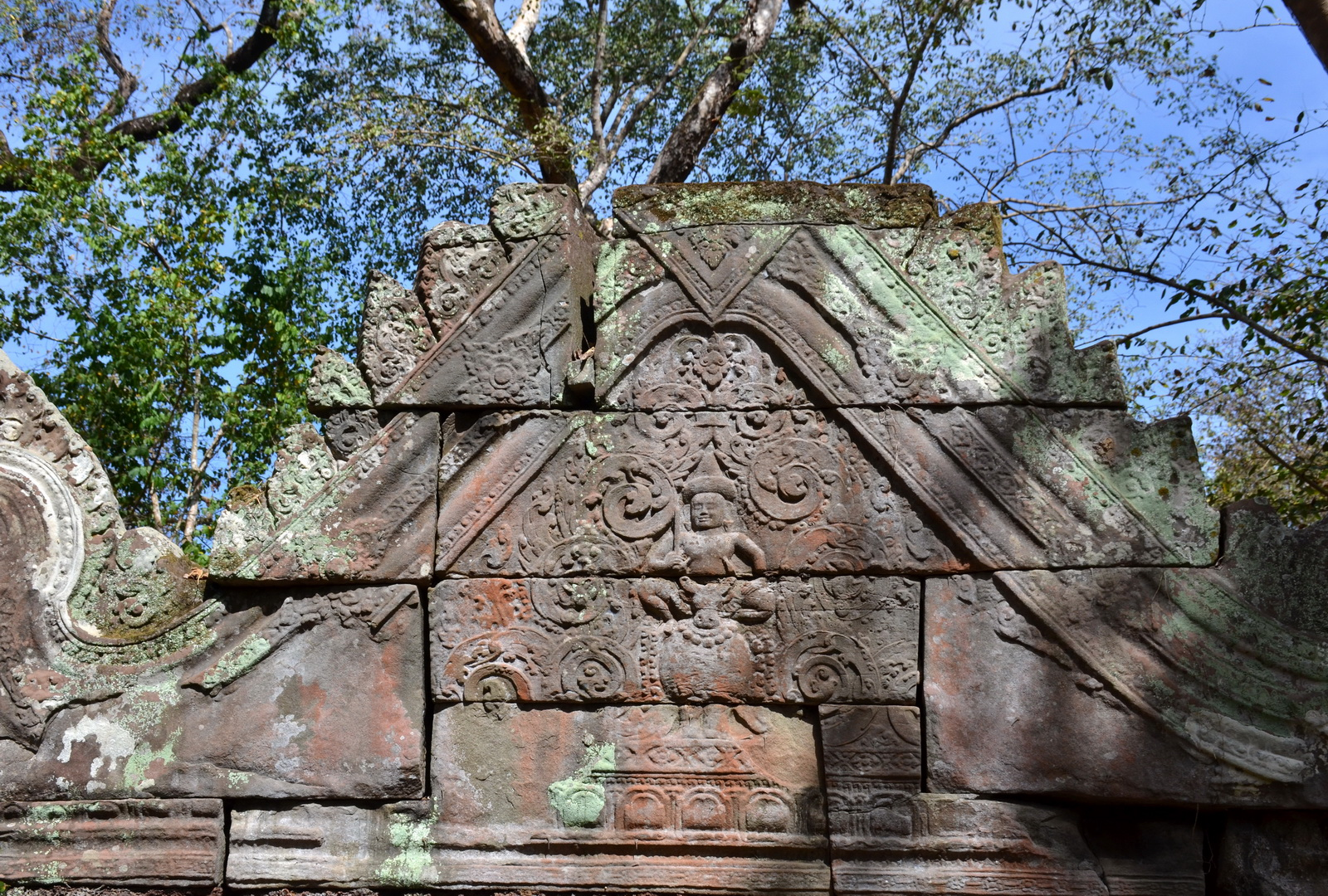 Pediment at Prasart Krachap, Koh Ker