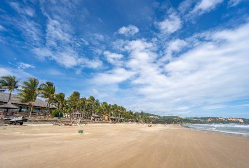 https://allpointseast.com/wp-content/uploads/2019/03/Pandanus-Resort-Mui-Ne-Beach-7-site-500x338.jpg