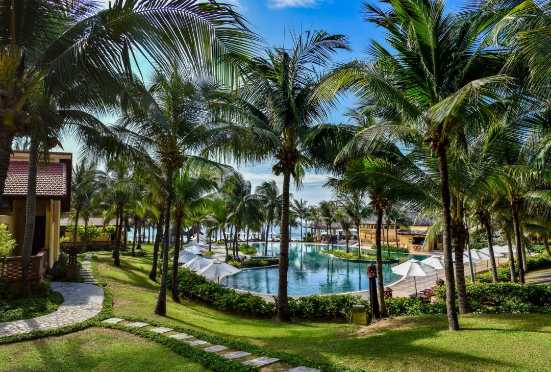 Vietnam, Pandanus Resort pool