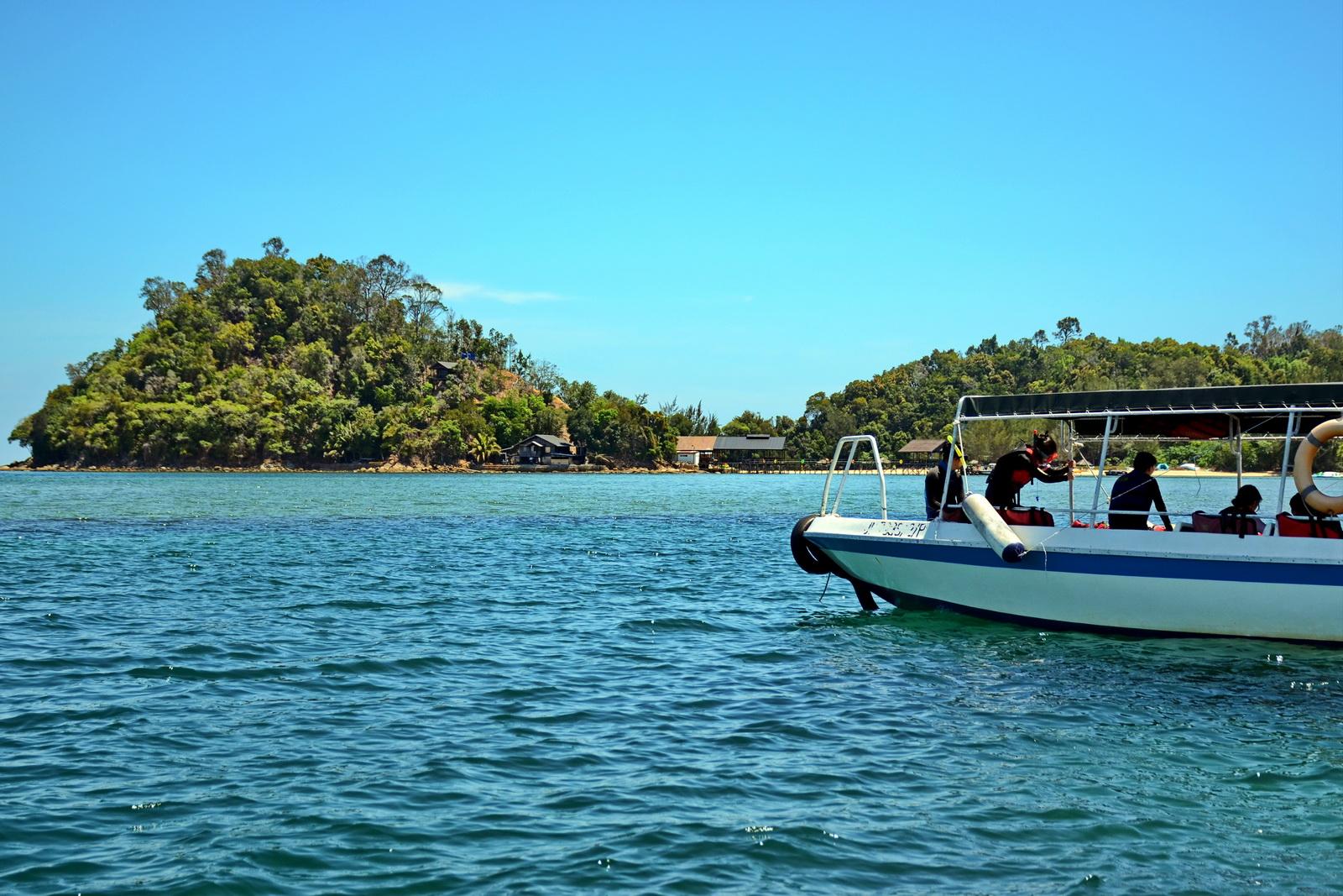 Malaysia, snorkelling on Dinawan