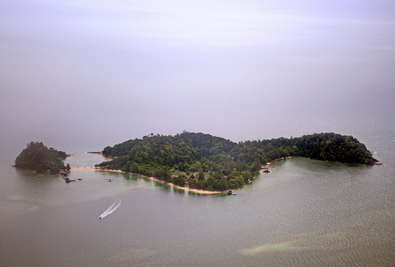 Malaysia, Borneo, Dinawan island