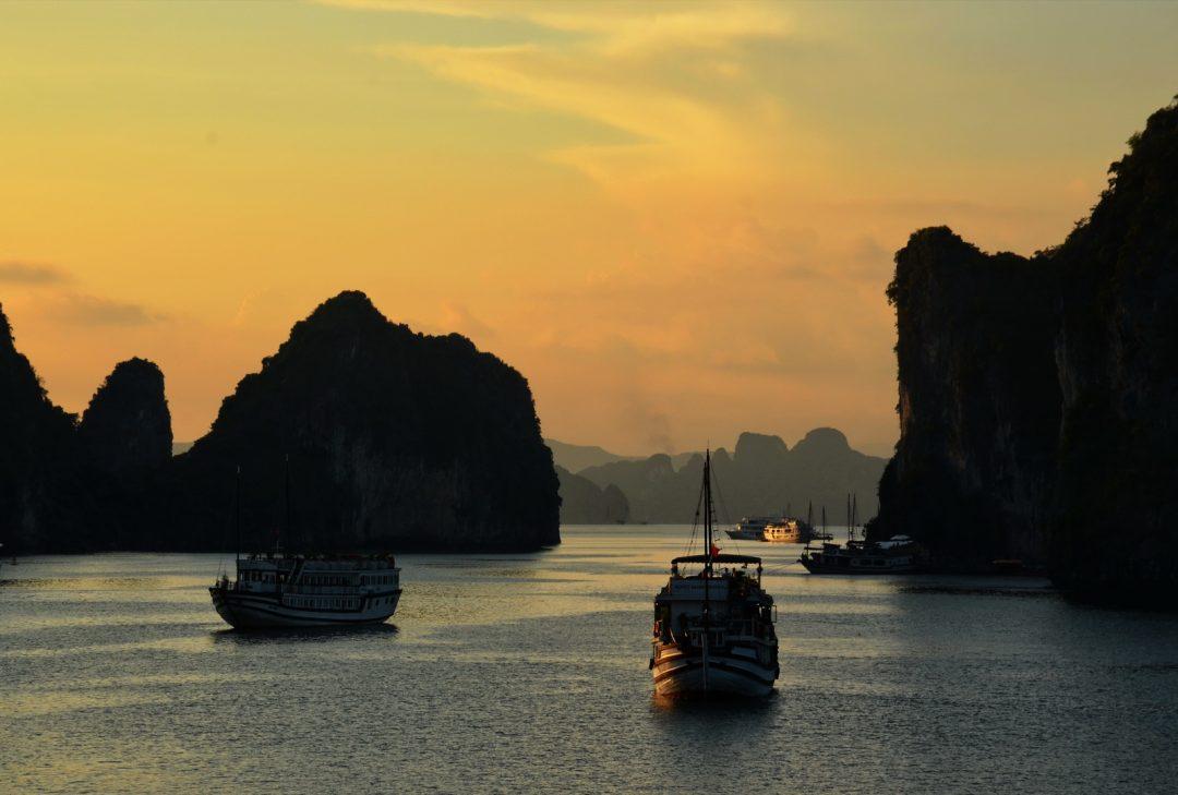 Vietnam, Bai Tu Long Bay sunset
