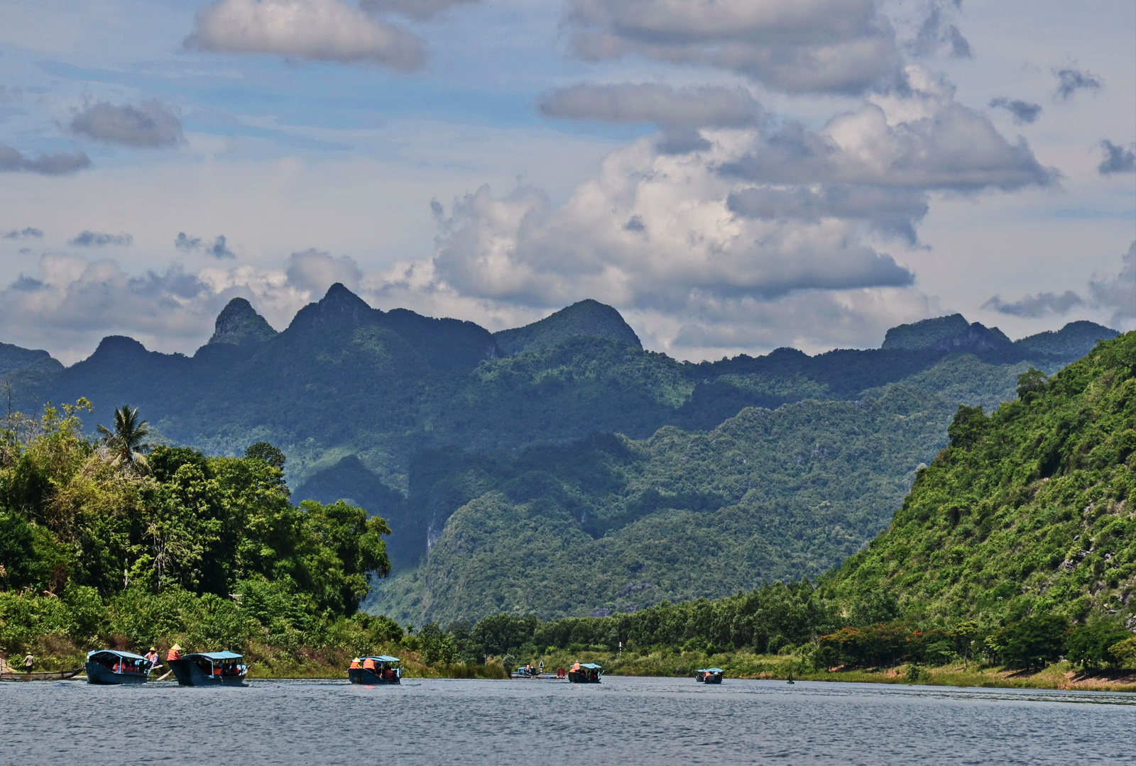 Vietnam, the Son River at Phong Nha-Ke Bang