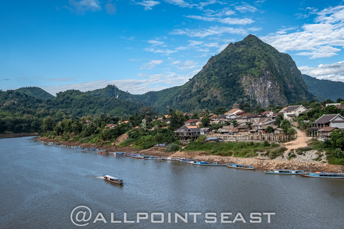 Laos photography tour. Nong Khiaw by Jeff Pergiois