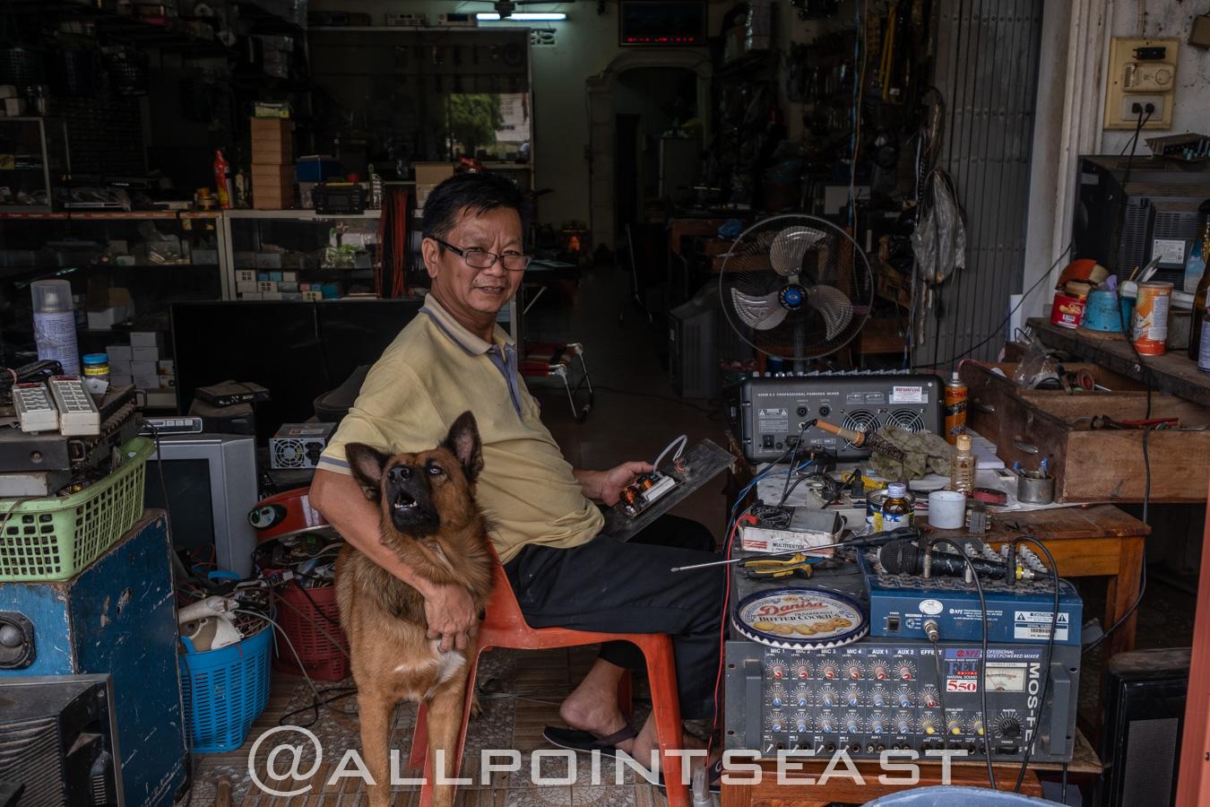 Laos. Pakse market by Jeff Perigois