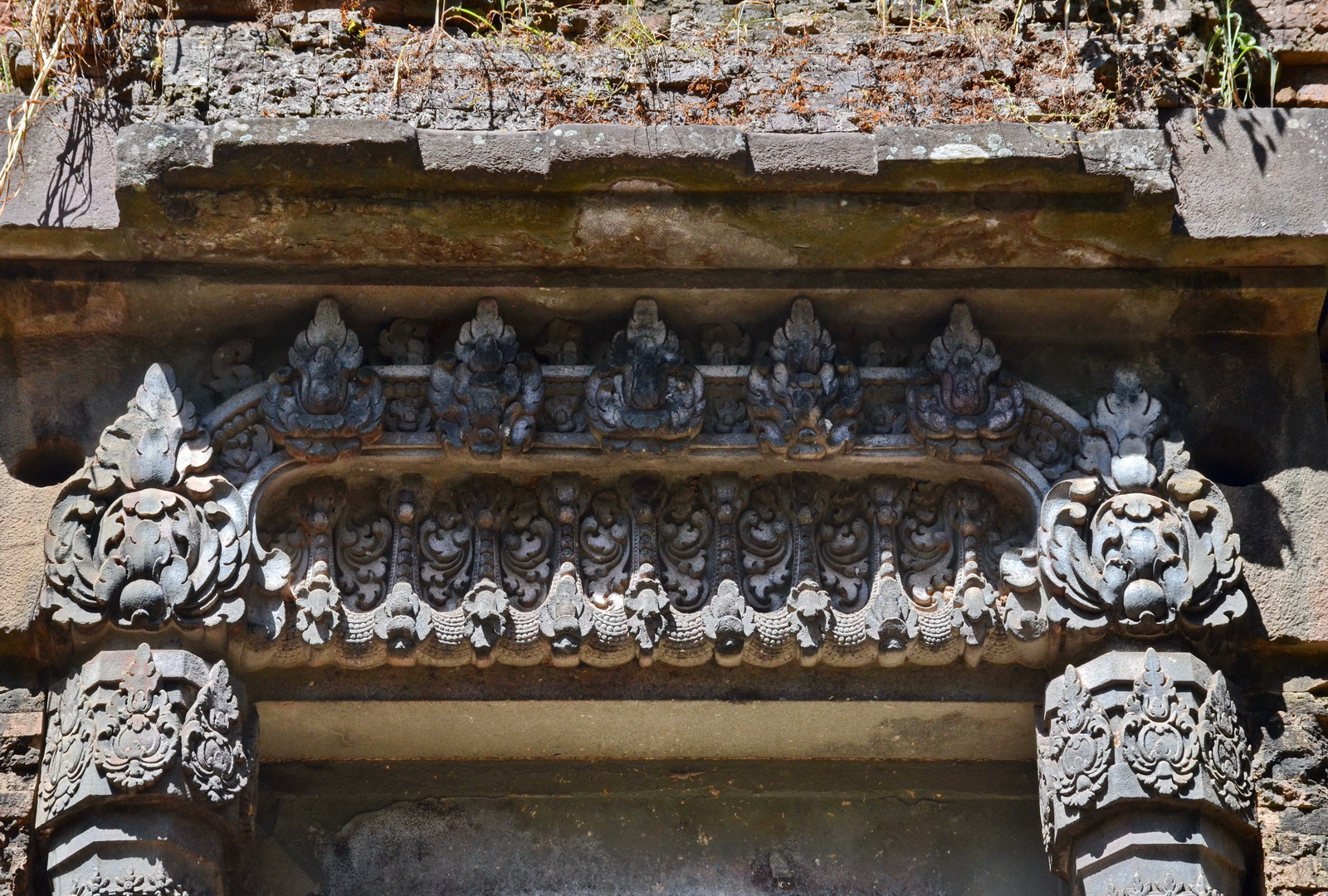 Some lesser known Angkor temples, Sambor lintel