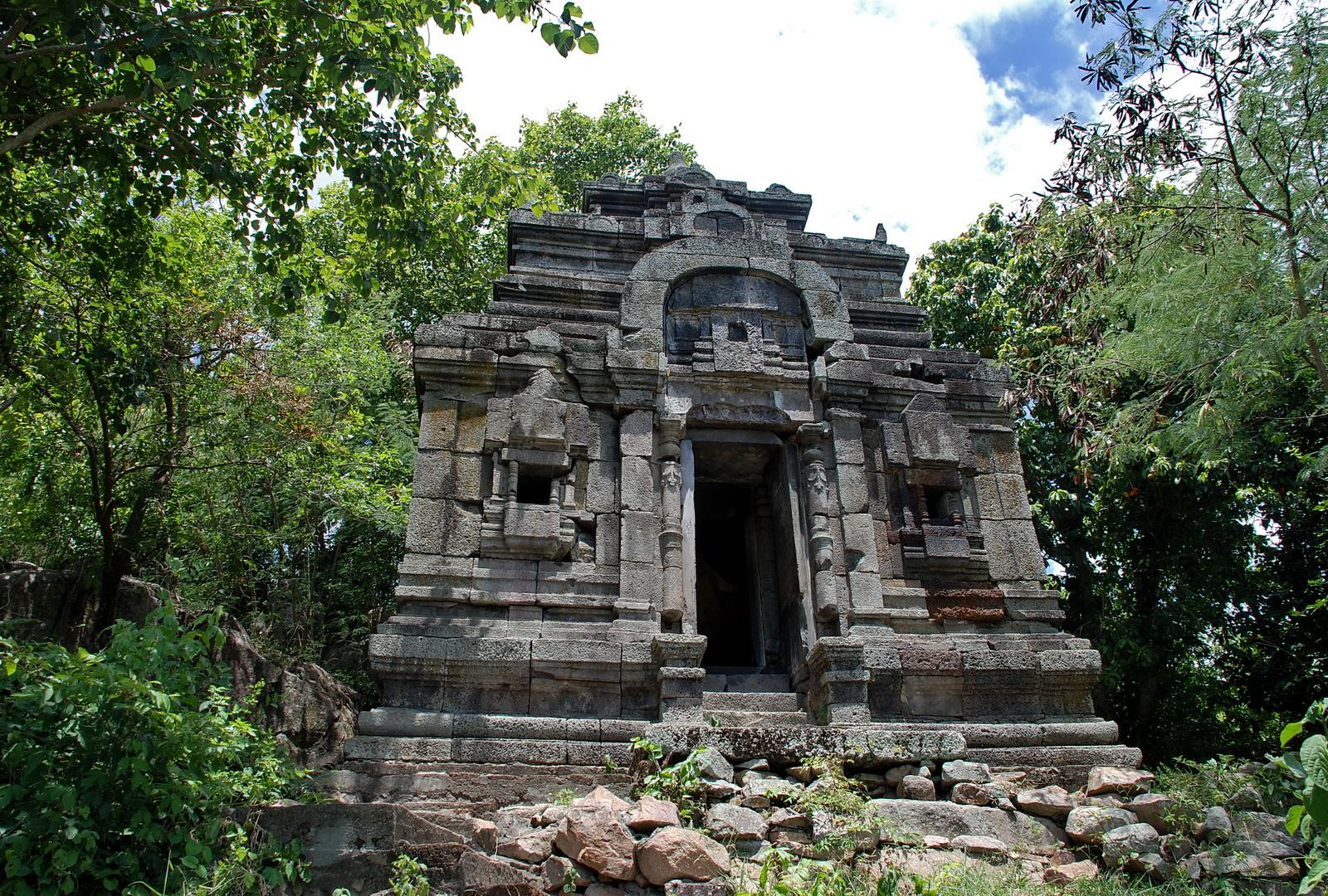Ashram Maharosei, Phnom Da