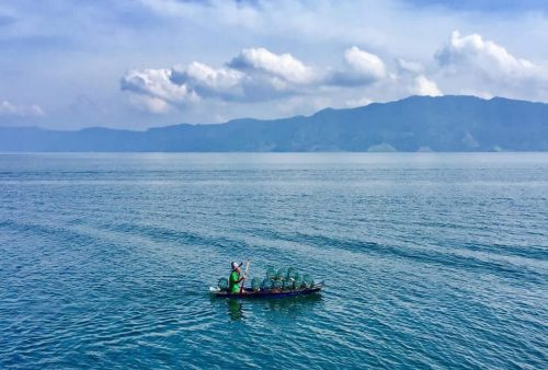 https://allpointseast.com/wp-content/uploads/2020/09/Lake-Toba-500x338.jpg