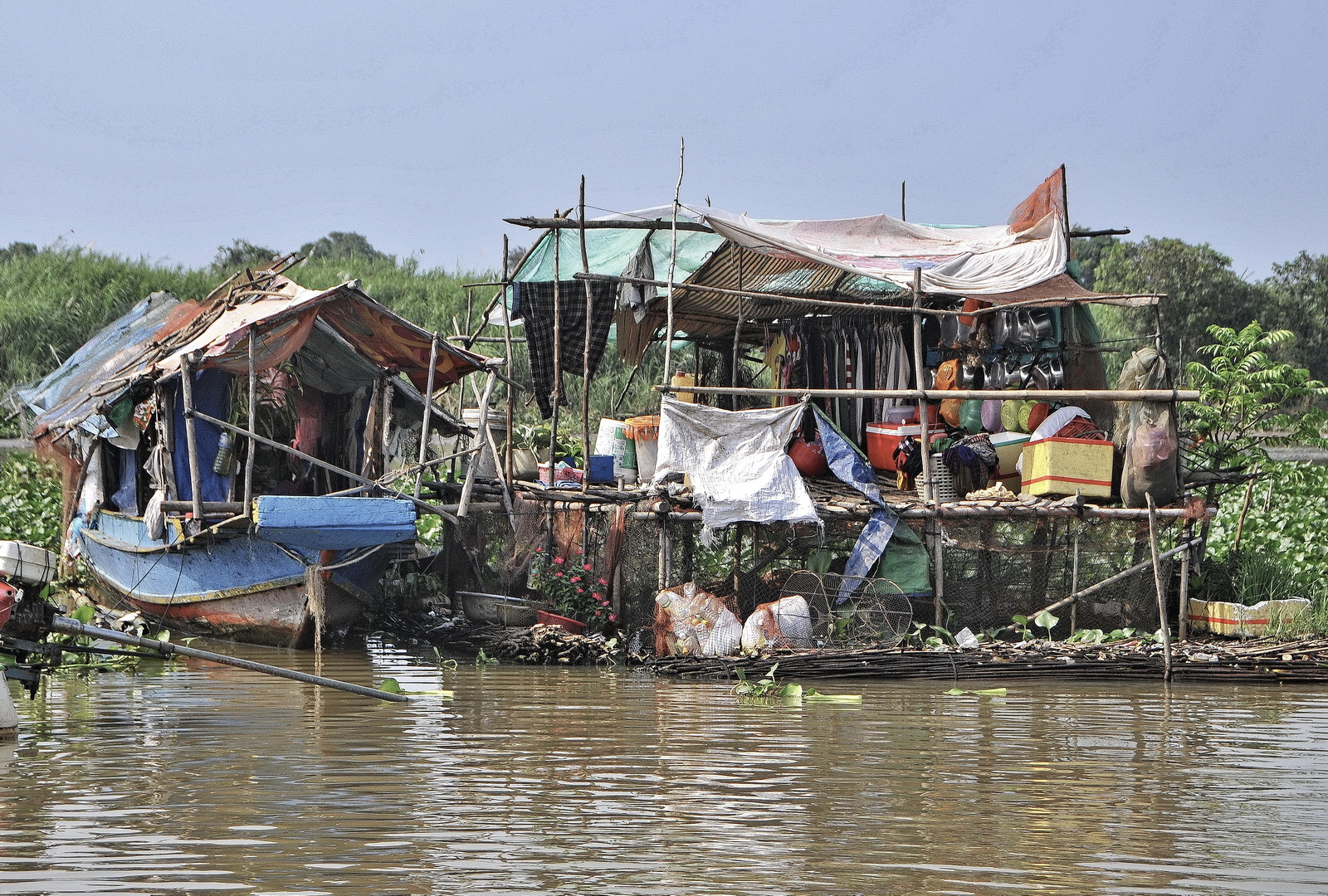 Temporary shelters constructed by houseboat residents