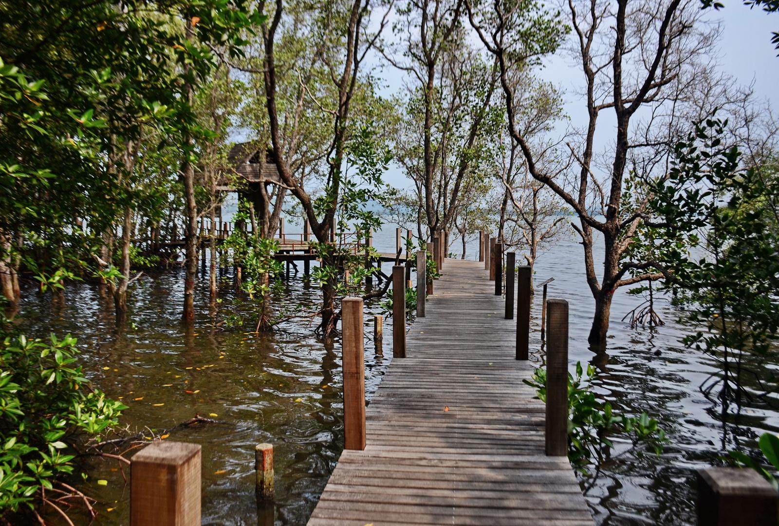 Kung Krabaen Bay